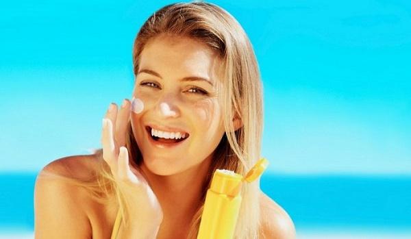 Những tiêu chí mà kem chống nắng cho da dầu tốt cần có 3